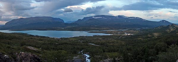 late night walk for a view of Sjodalsvatnet, Sikkildalshøa (1778m) & Heimdalshøe (1843m)