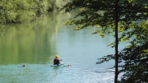 that's how you doggy paddle.... Sava Bohinjka @ Bodešče, May 24th ©Jonna