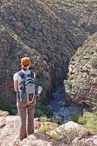 descending into Barranco del Piedra Bermeja
