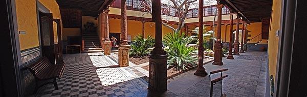 one of many hidden gardens, San Cristobal de La Laguna