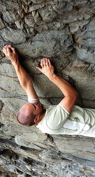 bouldering in Barranco de las Hiedras, Arico Viejo, ©Andrej