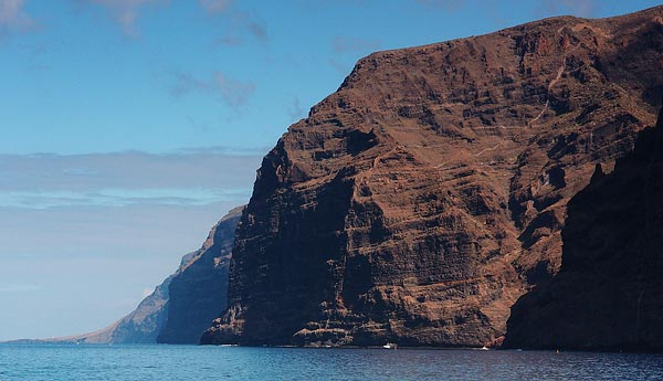 Los Gigantes (some very decent diving around here but otherwise a very unnapealing tourist trap) ©Jonna