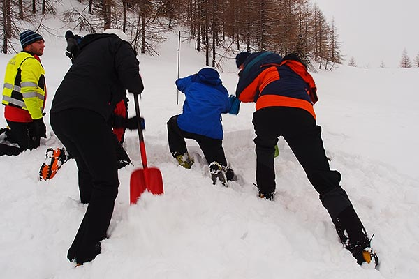 NH-WF avalanche workshop shovelling practice, Zelenica, Mar.1st